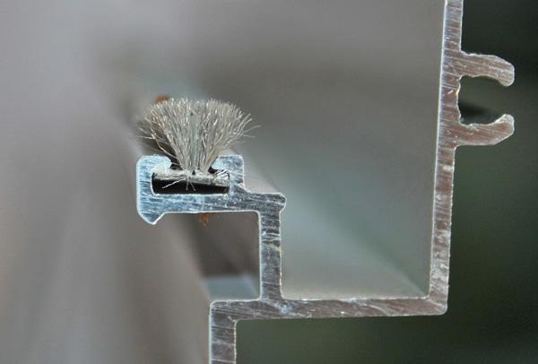 Ưu điểm của Gioăng lông sử dụng cho cửa bản lề